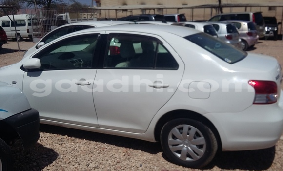 Buy Used Toyota bB White Car in Mogadishu in Somalia