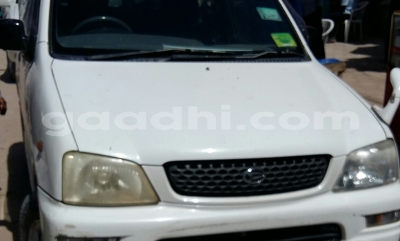 Buy Used Daihatsu Sirion White Car in Hargeysa in Somaliland