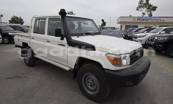 Buy and sell cars, motorbikes and trucks in Somalia - Gaadhi