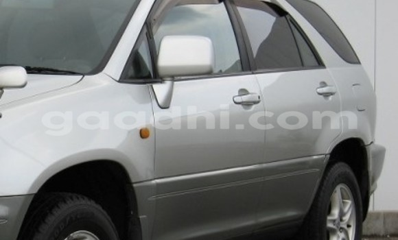 Buy Used Toyota Harrier Silver Car in Mogadishu in Somalia