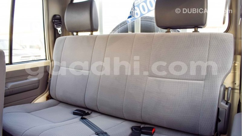 Big with watermark toyota land cruiser somalia import dubai 3006