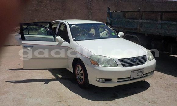 Buy Used Toyota Mark II White Car in Mogadishu in Somalia