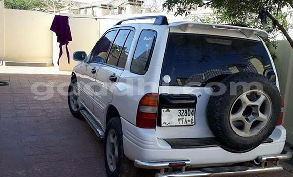 Buy Used Suzuki Vitara White Car in Mogadishu in Somalia