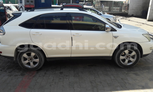 Buy Used Toyota Harrier White Car in Mogadishu in Somalia