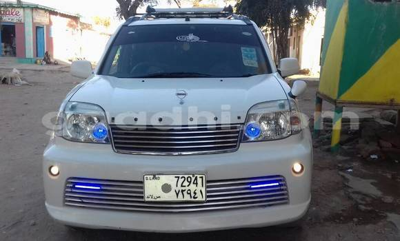 Buy Used Nissan X-Trail White Car in Hargeysa in Somaliland
