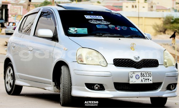 Buy Used Toyota Vitz Silver Car in Hargeysa in Somaliland
