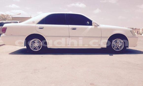Acheter Occasion Voiture Toyota Crown Blanc à Hargeysa au Somaliland