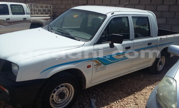 Buy Used Mitsubishi L200 White Car in Hargeysa in Somaliland