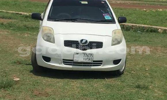 Buy Used Toyota Vitz White Car in Hargeysa in Somaliland