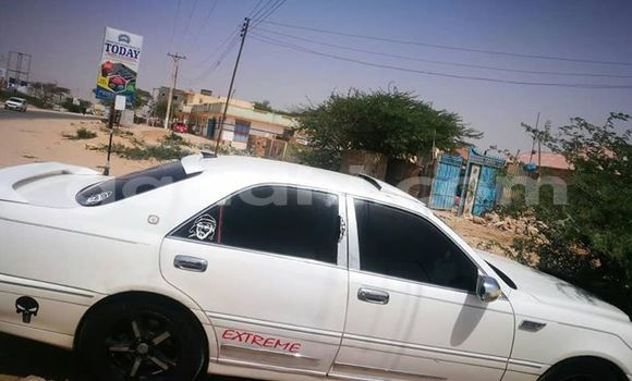 Buy Used Toyota Crown White Car in Mogadishu in Somalia