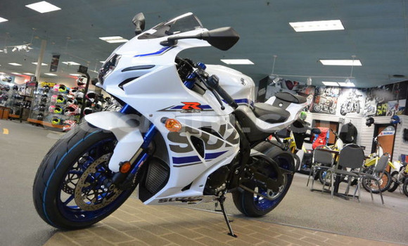 Buy New Suzuki GSX–R White Bike in Mogadishu in Somalia