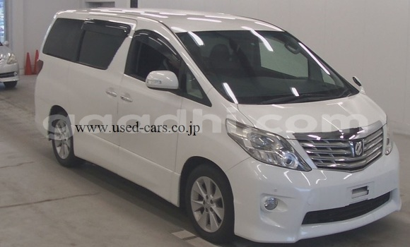 Buy Used Toyota Alphard White Car in Mogadishu in Somalia