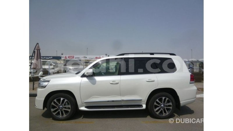 Big with watermark toyota land cruiser somalia import dubai 3873