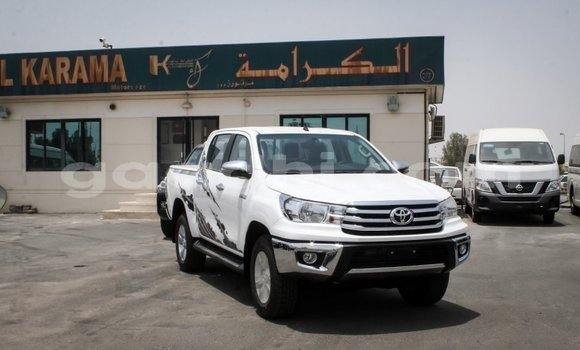 Medium with watermark toyota hilux somalia import dubai 3974