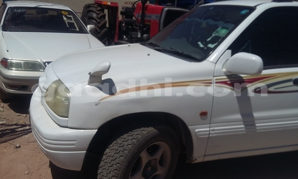 Buy Used Suzuki Grand Vitara White Car in Mogadishu in Somalia