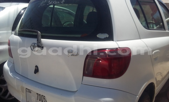Buy Used Toyota Vitz White Car in Mogadishu in Somalia