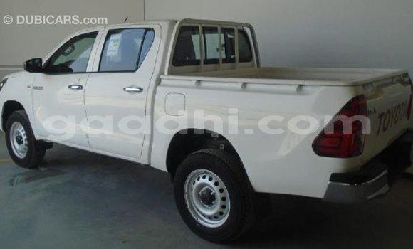 Buy Import Toyota Hilux White Car in Import - Dubai in Somalia