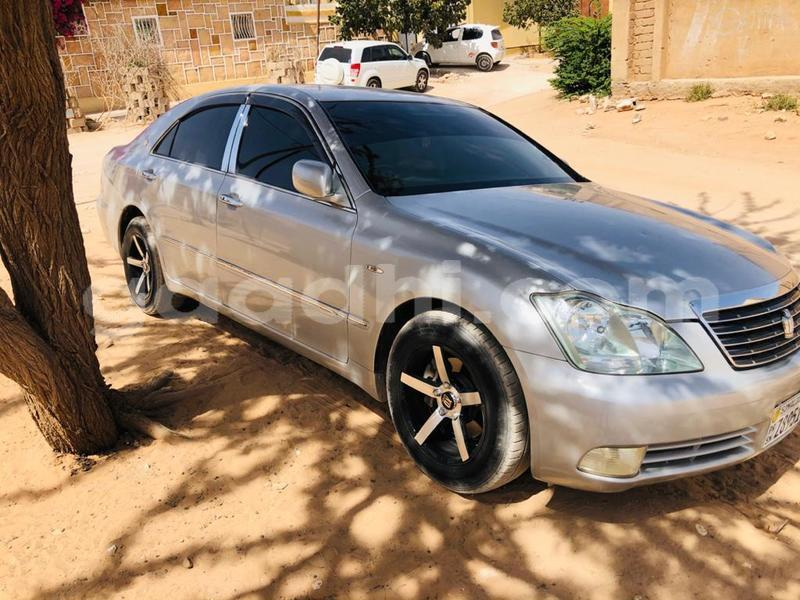Big with watermark toyota crown somaliland hargeysa 4629