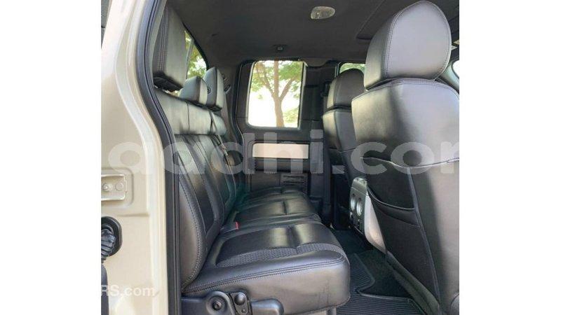 Big with watermark ford club wagon somalia import dubai 4882