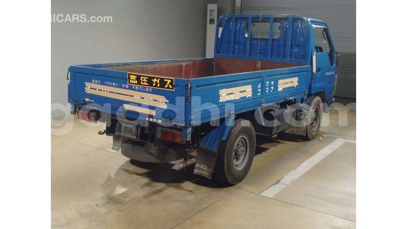 Big with watermark toyota hiace somalia import dubai 4916
