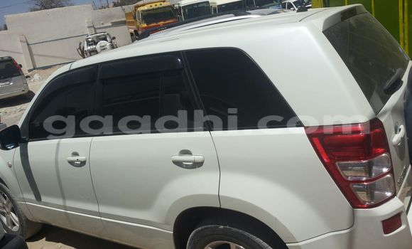 Buy Used Suzuki Ignis White Car in Mogadishu in Somalia