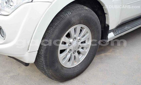 Buy Import Mitsubishi Pajero White Car in Import - Dubai in Somalia