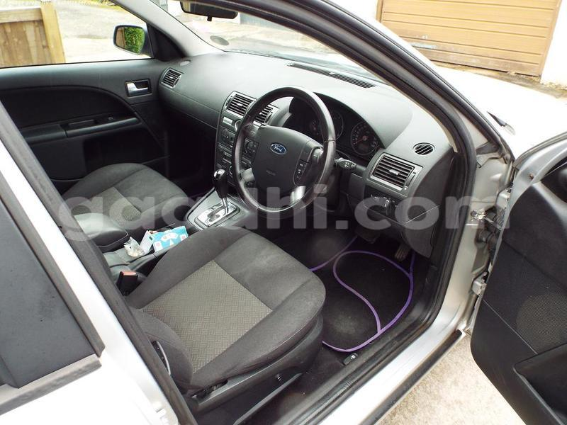 Big with watermark modeo interior