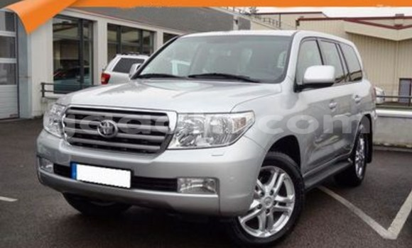 Buy Used Toyota Land Cruiser Silver Car in Hargeysa in Somaliland