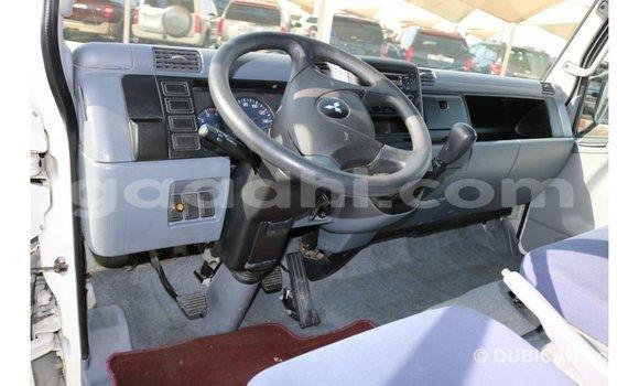 Acheter Importé Utilitaire Mitsubishi L400 Blanc à Import - Dubai, Somalie