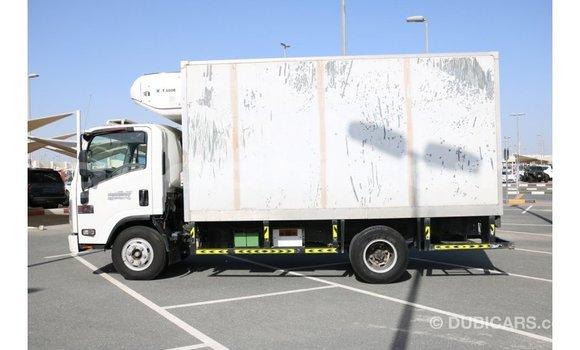Buy Import Isuzu Rodeo White Car in Import - Dubai in Somalia