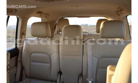 Acheter Importé Voiture Toyota IST Blanc à Import - Dubai, Somalie