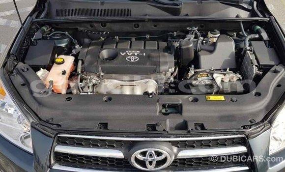 Buy Import Toyota HiAce Green Truck in Import - Dubai in Somalia
