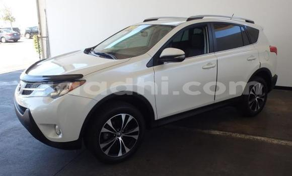 Buy Used Toyota RAV4 White Car in Muqdisho in Banadir
