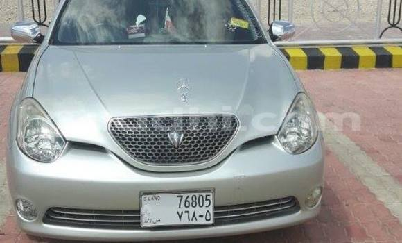 Buy Used Toyota Verso White Car in Hargeysa in Somaliland
