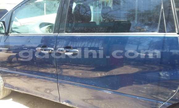Buy Used Toyota Previa Blue Car in Mogadishu in Somalia