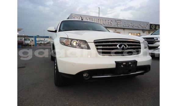 اشتري Imported Infiniti FX أبيض سيارة في Import - Dubai في الصومال