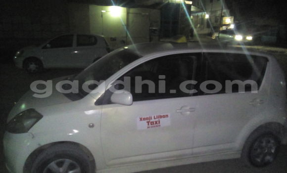 Buy Used Toyota Vitz White Car in Hargeysa in Somaliland