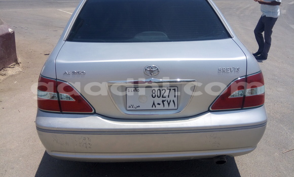 Buy Used Toyota Previa Silver Car in Berbera in Somalia